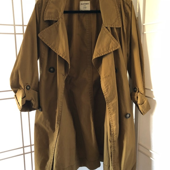 Old Navy classic tan color trench.  size Large.